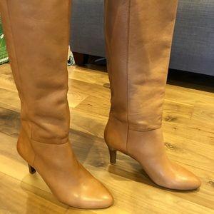 NWOT - Banana Republic Camel pull on heeled boots